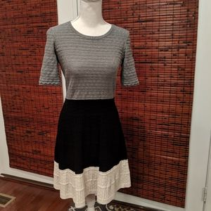 Knit short sleeve dress